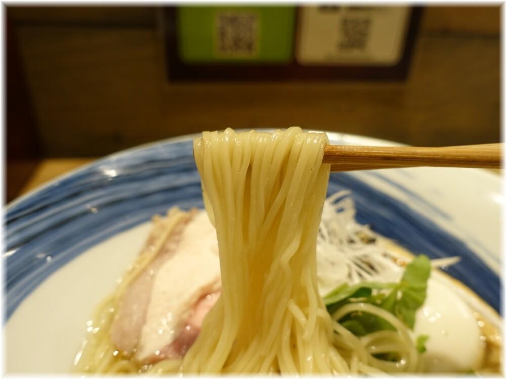 麺屋翔みなと 特製真鯛の塩らーめんの麺
