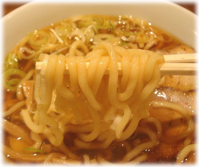 中華そば つし馬 中華そば(小)の麺