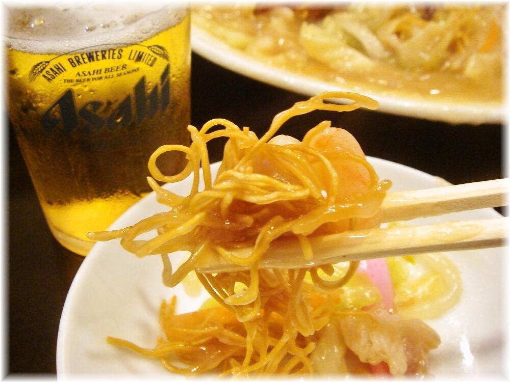 東園 あんかけ(パリ麺)の麺