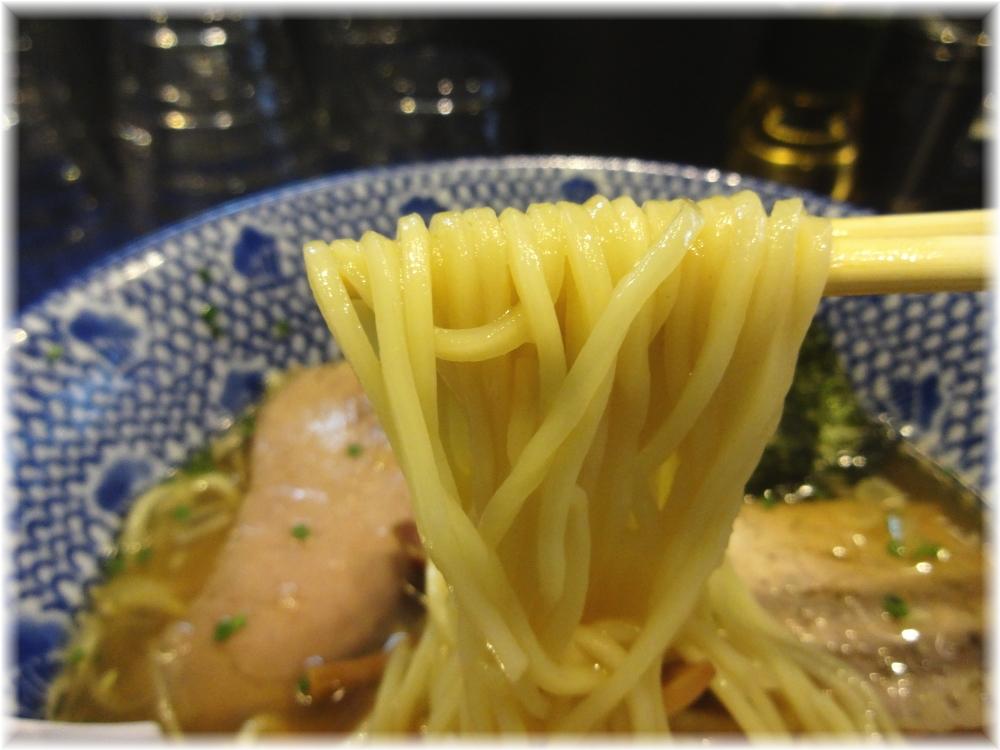 薫風 特製中華そば(醤油)の麺