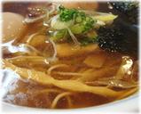 麺処びぎ屋 醤油らーめん半熟味付玉子入りのスープ