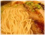 まるあぜ(○畦) 熊本ラーメンの麺
