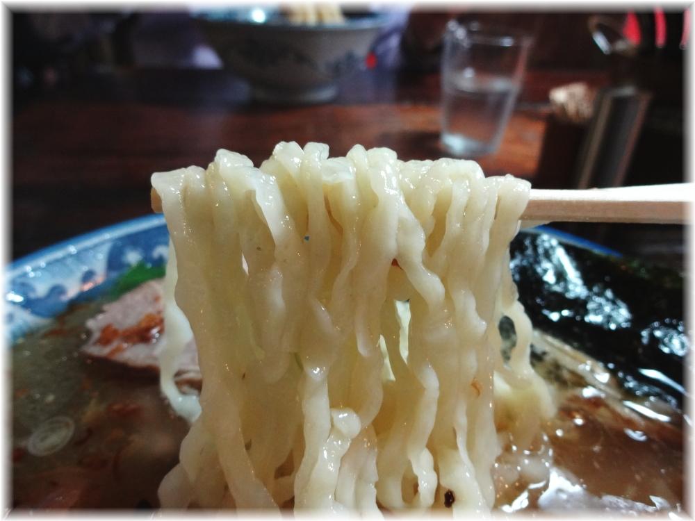 麺工房 隠國 隠國スペシャル(塩)の麺