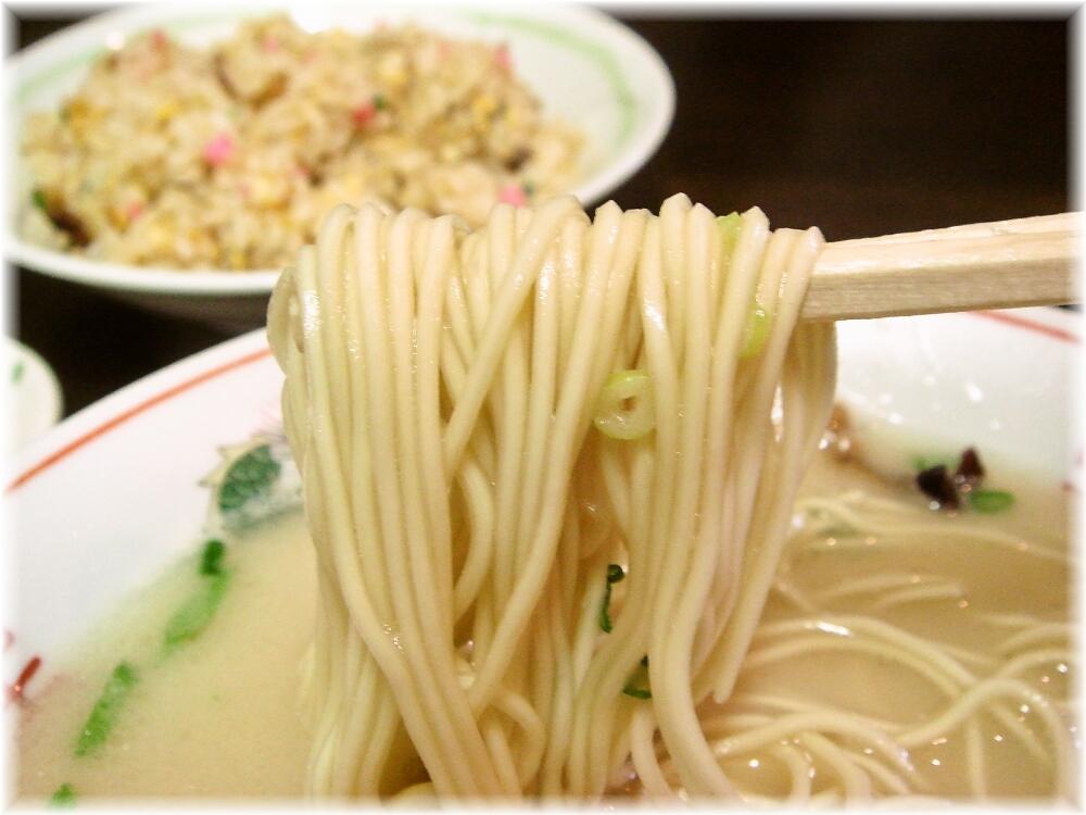 源(GEN) ラーメンの麺