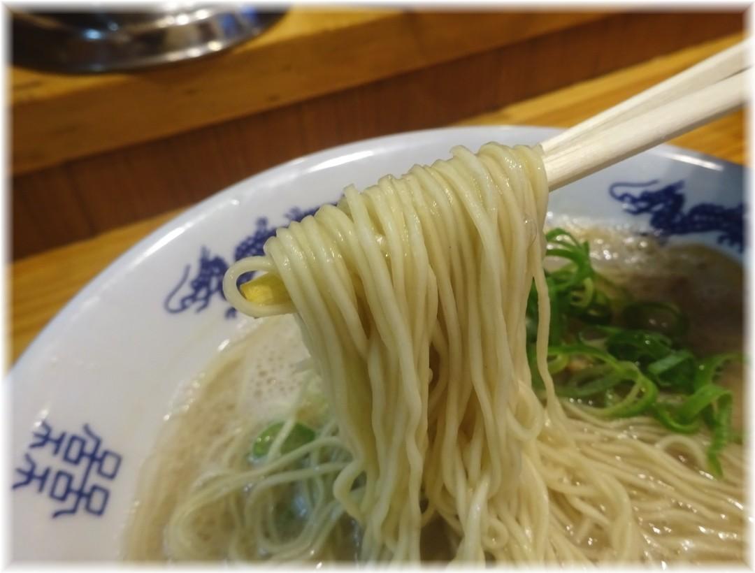 博多ラーメンセンター ラーメンの麺