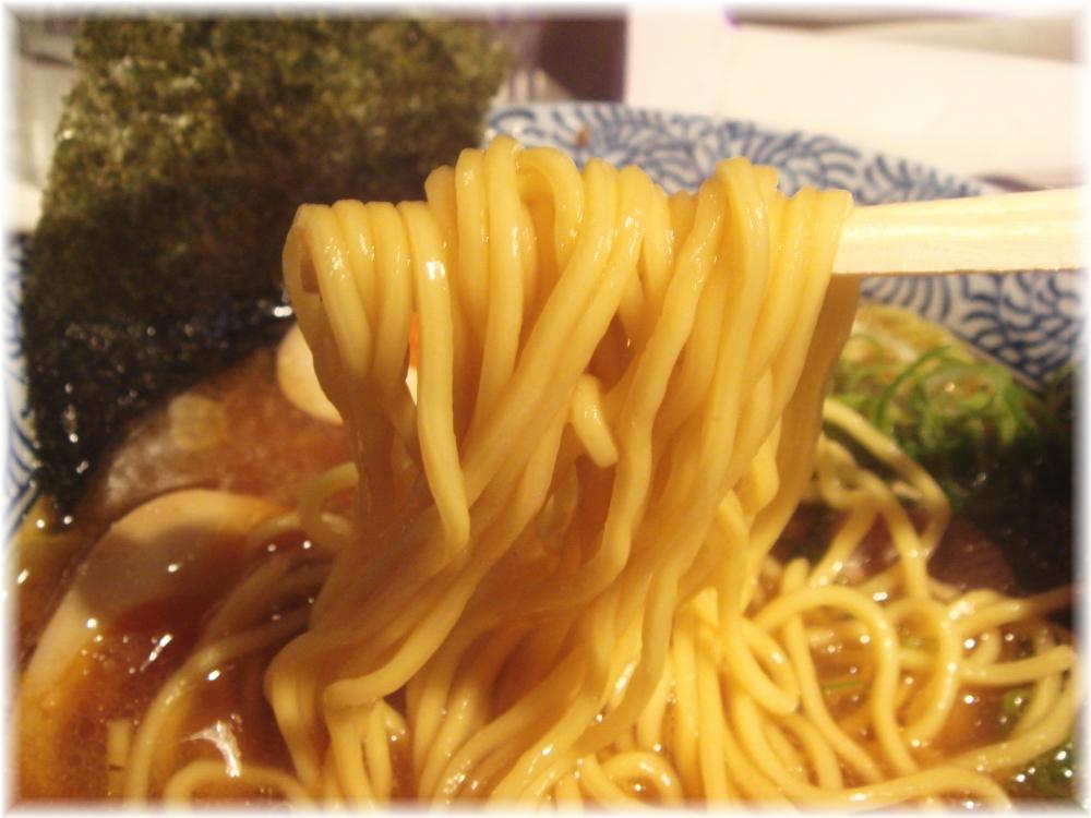 赤坂麺道いってつ ラーメンの麺