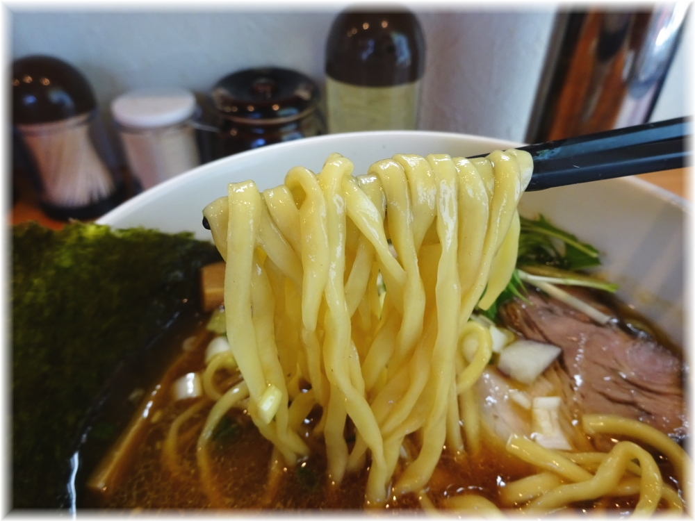 麺処秋もと 醤油の麺