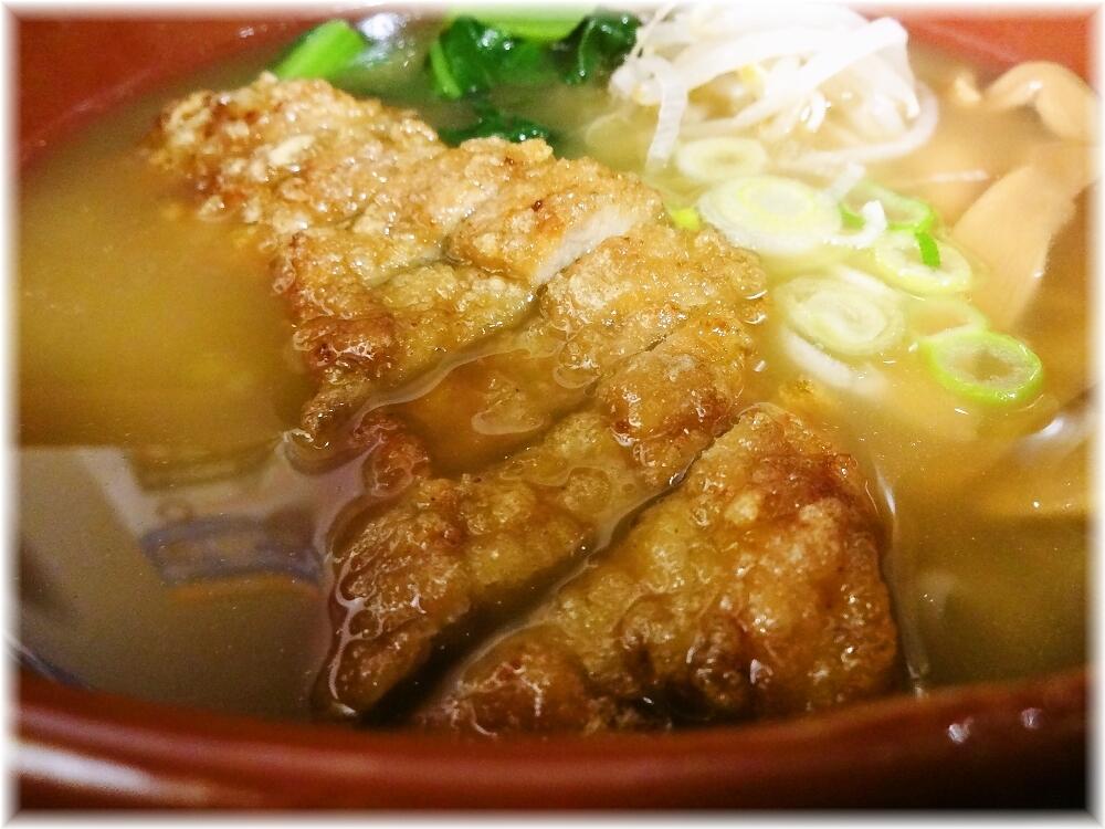 万世麺店新宿西口店 排骨拉麺のパーコー