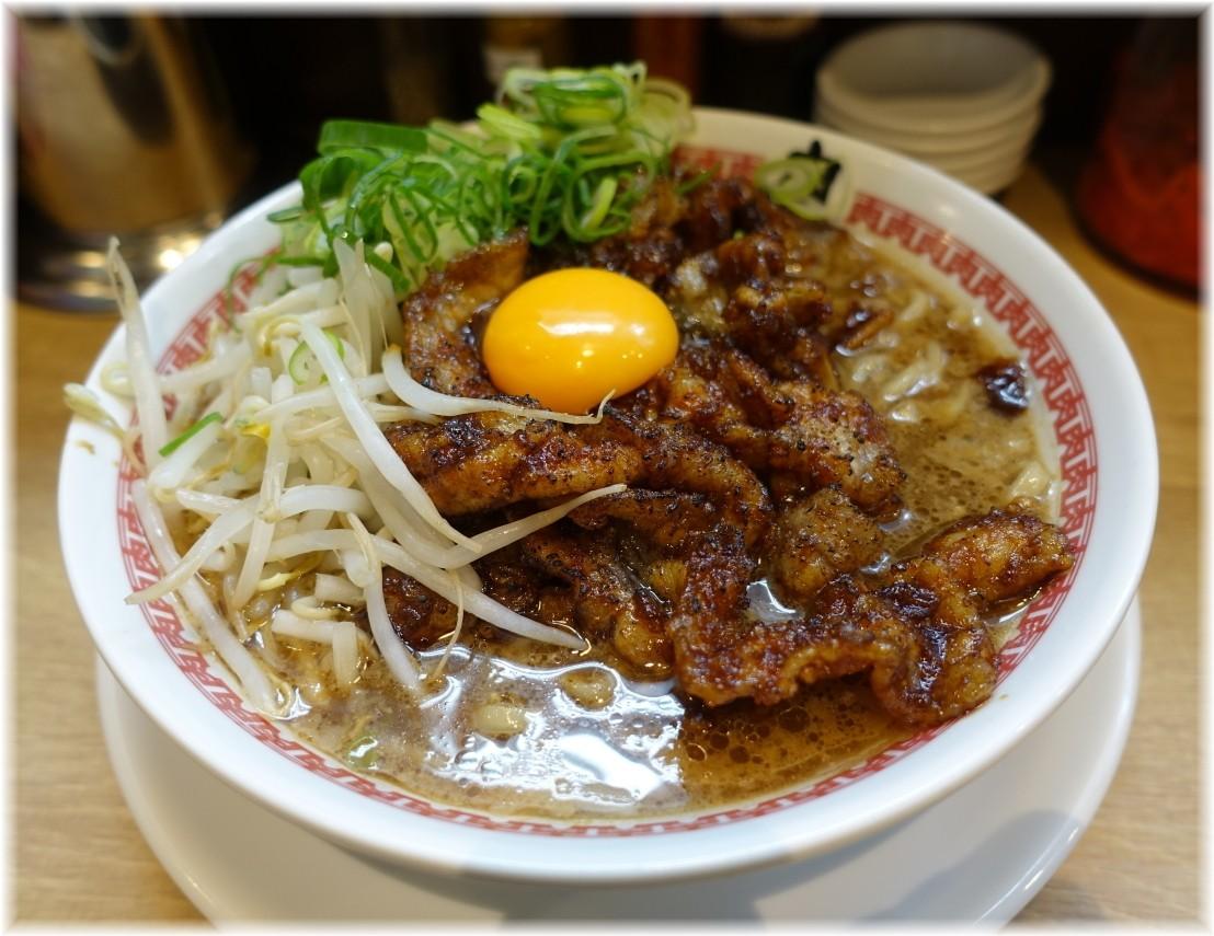 肉汁麺ススム三田店 肉汁麺(レベル2)に生卵