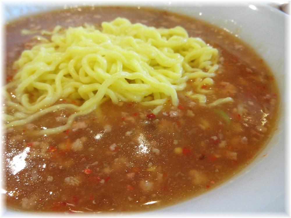 中華四川 タンタンメンのスープ