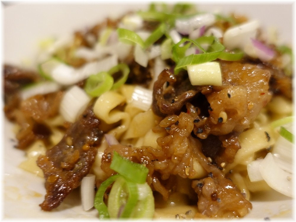 金町製麺8 すき焼き味のまぜそばの具