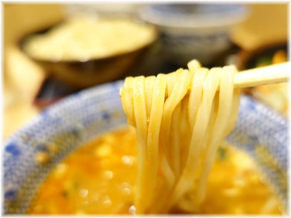 舎鈴田町店2 担々つけ汁に麺