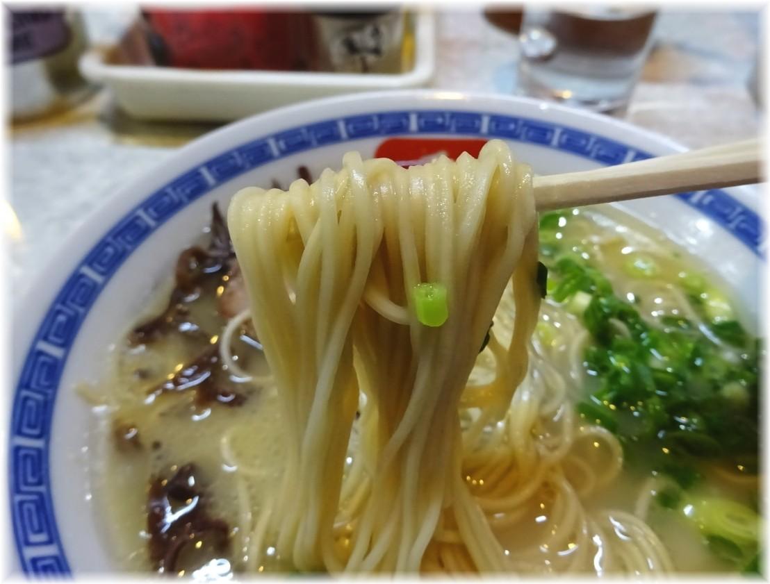 長浜らーめん呑龍 長浜ラーメンの麺