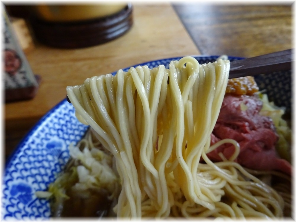 ぐるまん野州男 牛そばローストビーフのせの麺