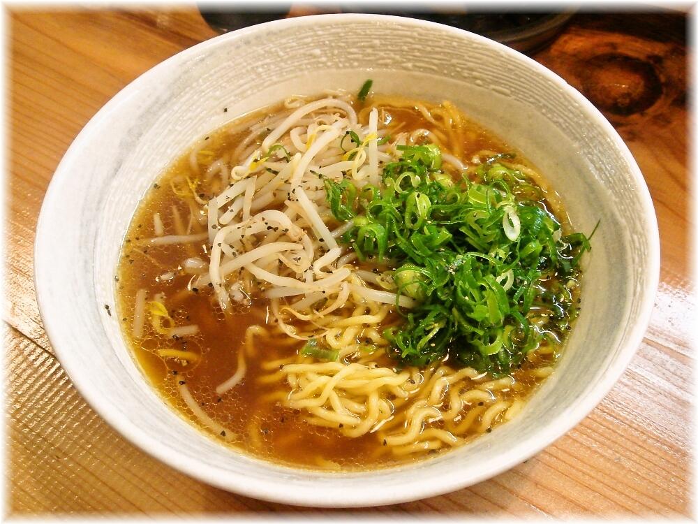 本家博多担々麺RON 鶏ガラ醤油ソバ