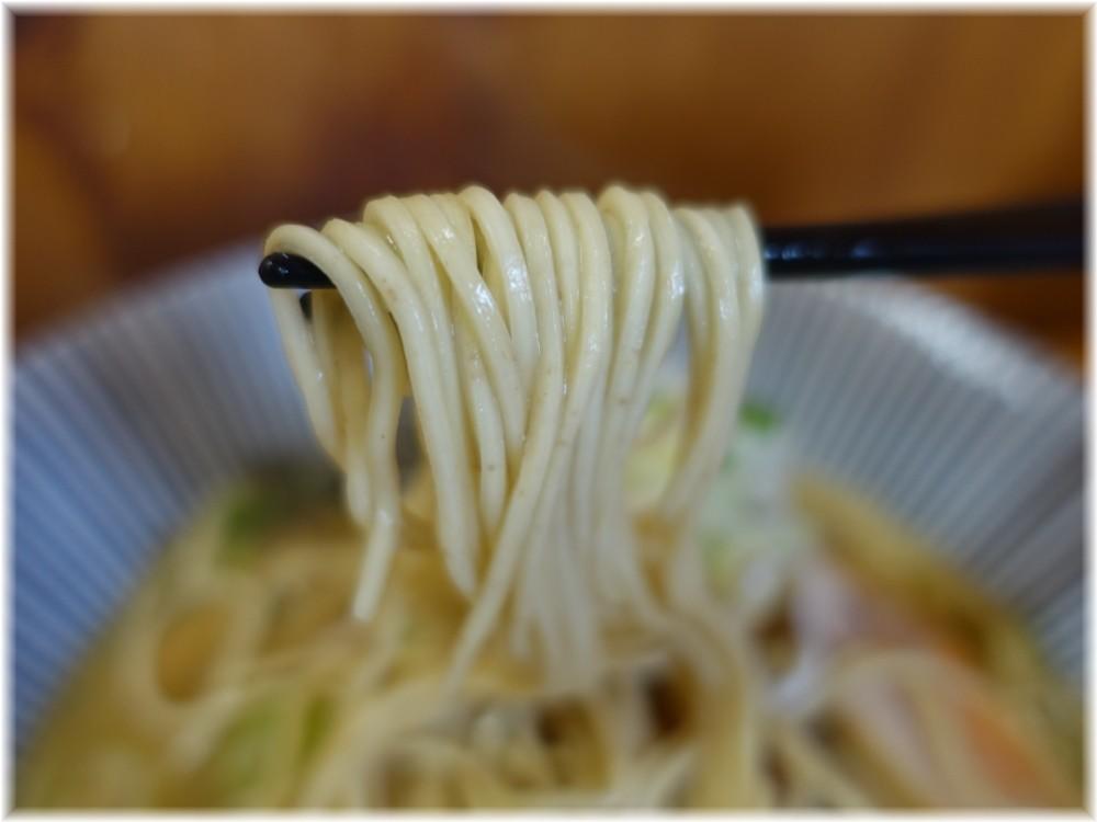 中華そばよしかわ4 鮟鱇らーめんの麺