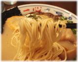 一心 カルボナーラとんこつラーメンの麺