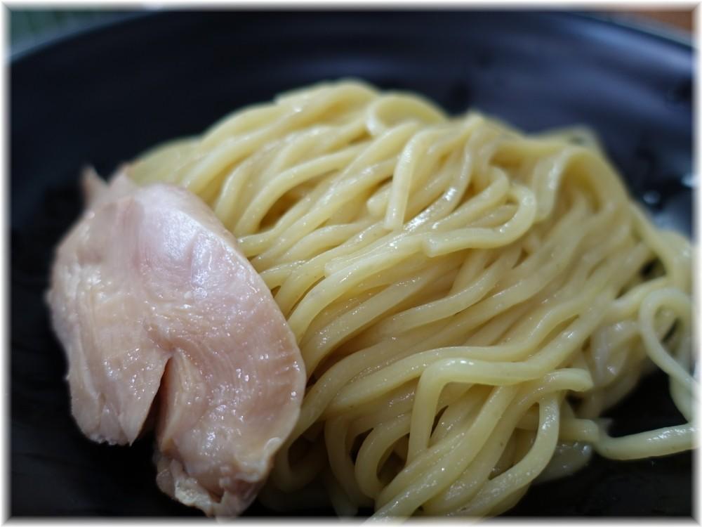 NOODLE BASE TRICK☆STAR スパイシーカレーつけめんの麺