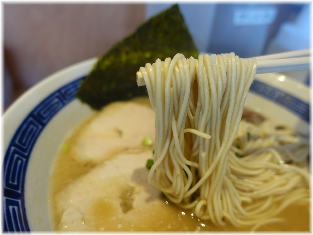 田原 ラーメンの麺
