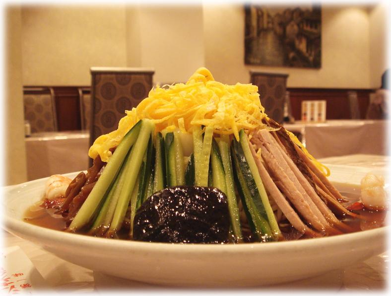 揚子江菜館 元祖冷やし中華(五色涼拌麺) 横撮りバージョン1