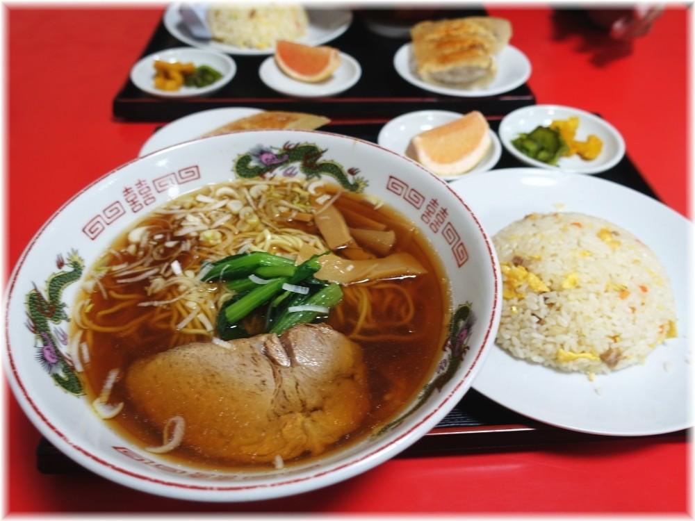 中国家庭料理大連 ラーメンと半チャーハンセット