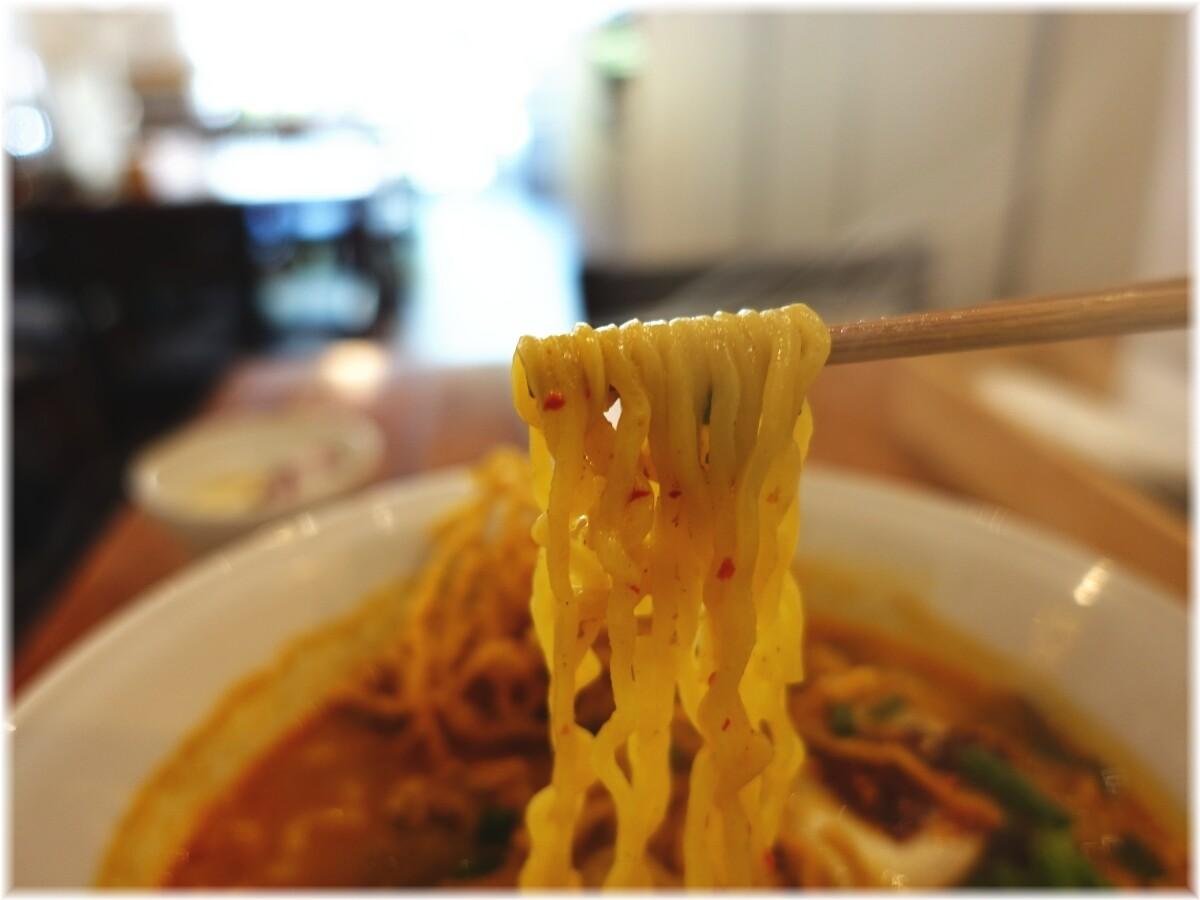 タイ国専門食堂 カーオソーイの麺
