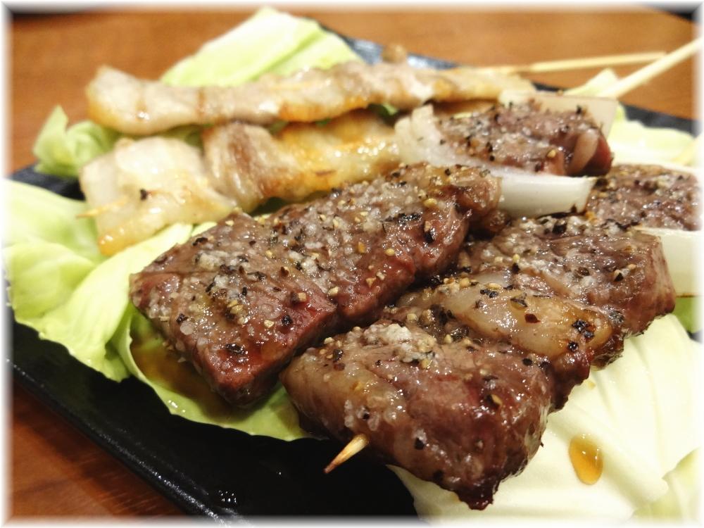 博多うま馬 渋谷ヒカリエ店 牛サガリと豚バラ