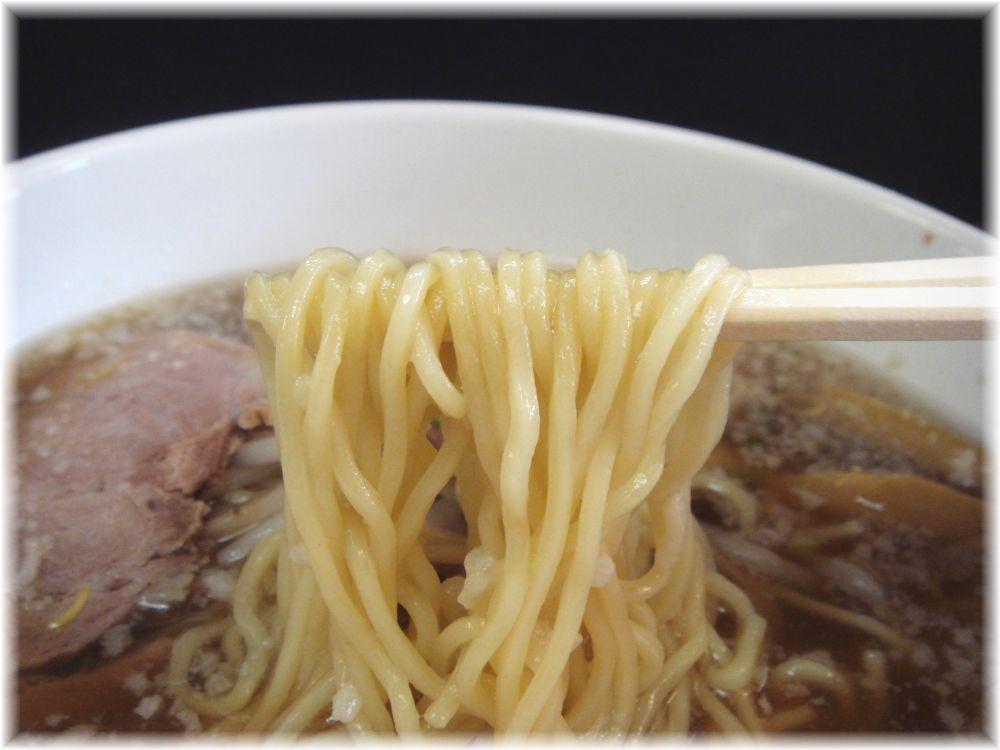 らーめん丸宮 醤油ラーメンの麺