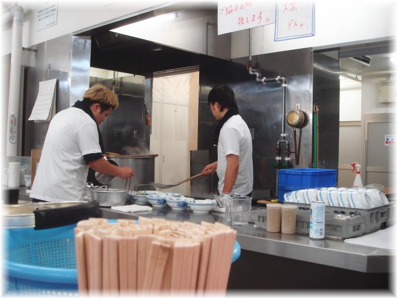 元祖長浜屋4 厨房