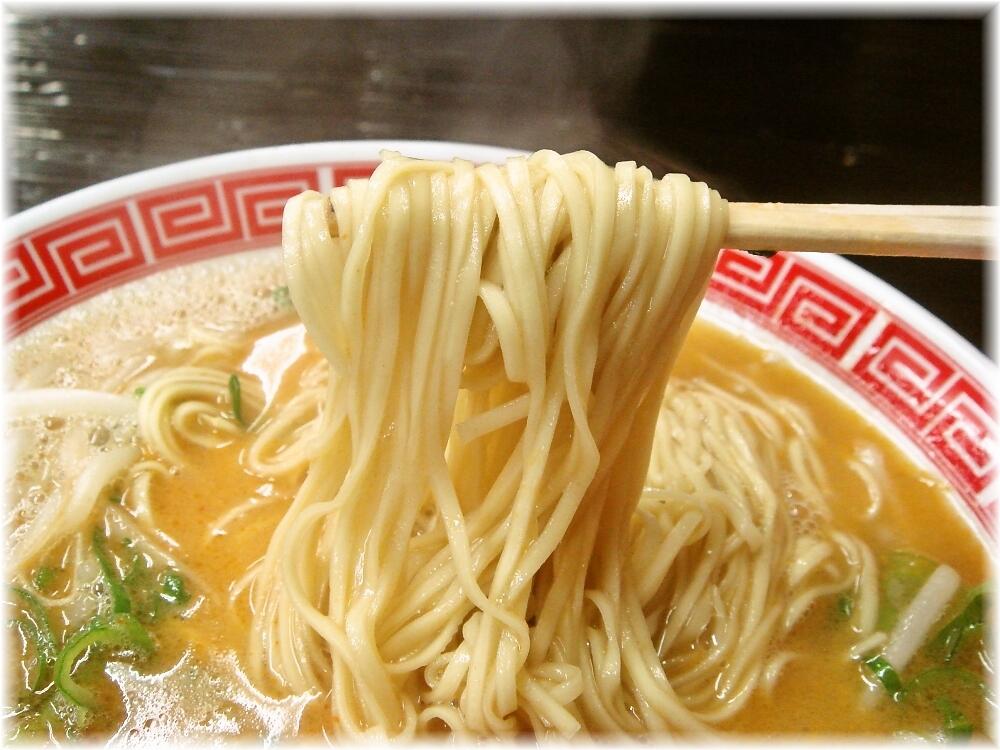 赤のれん&とん吉2 担々麺の麺