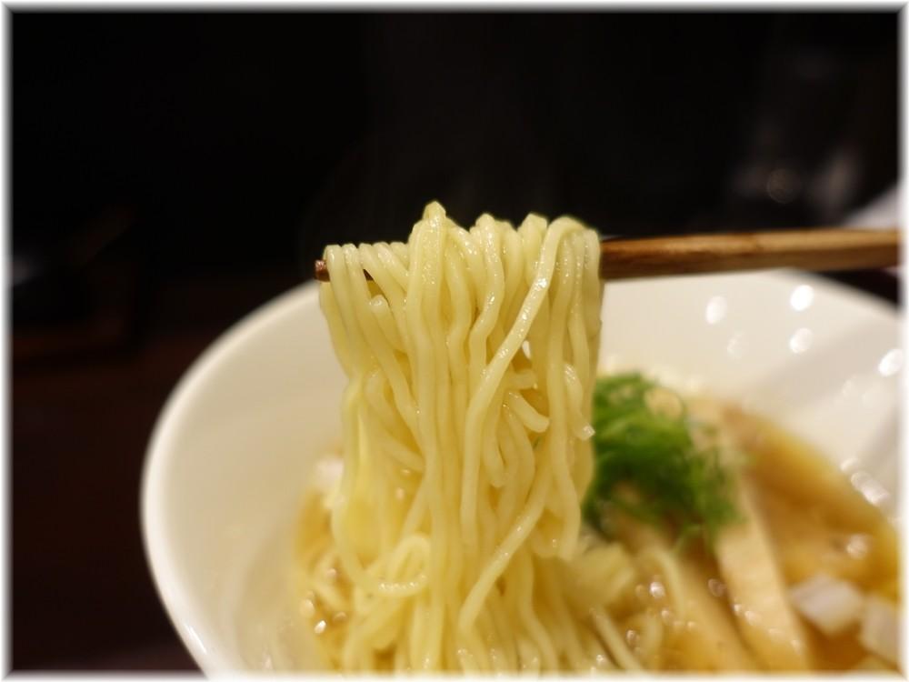 鳥田中 鰹出汁のラーメンの麺