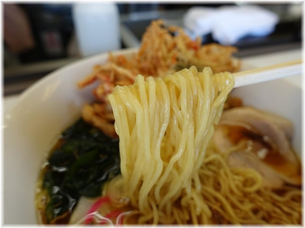 東武ラーメン 天ぷらラーメンの麺
