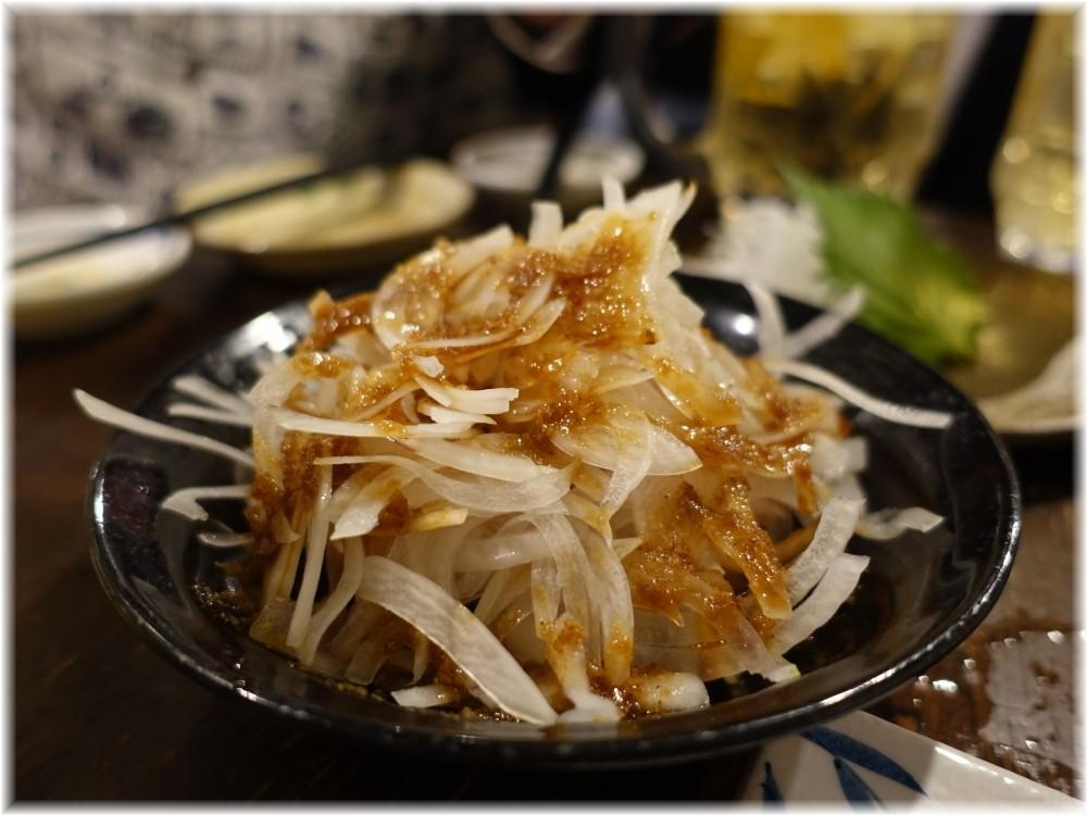 金町製麺11 お肉と玉ねぎの和え物