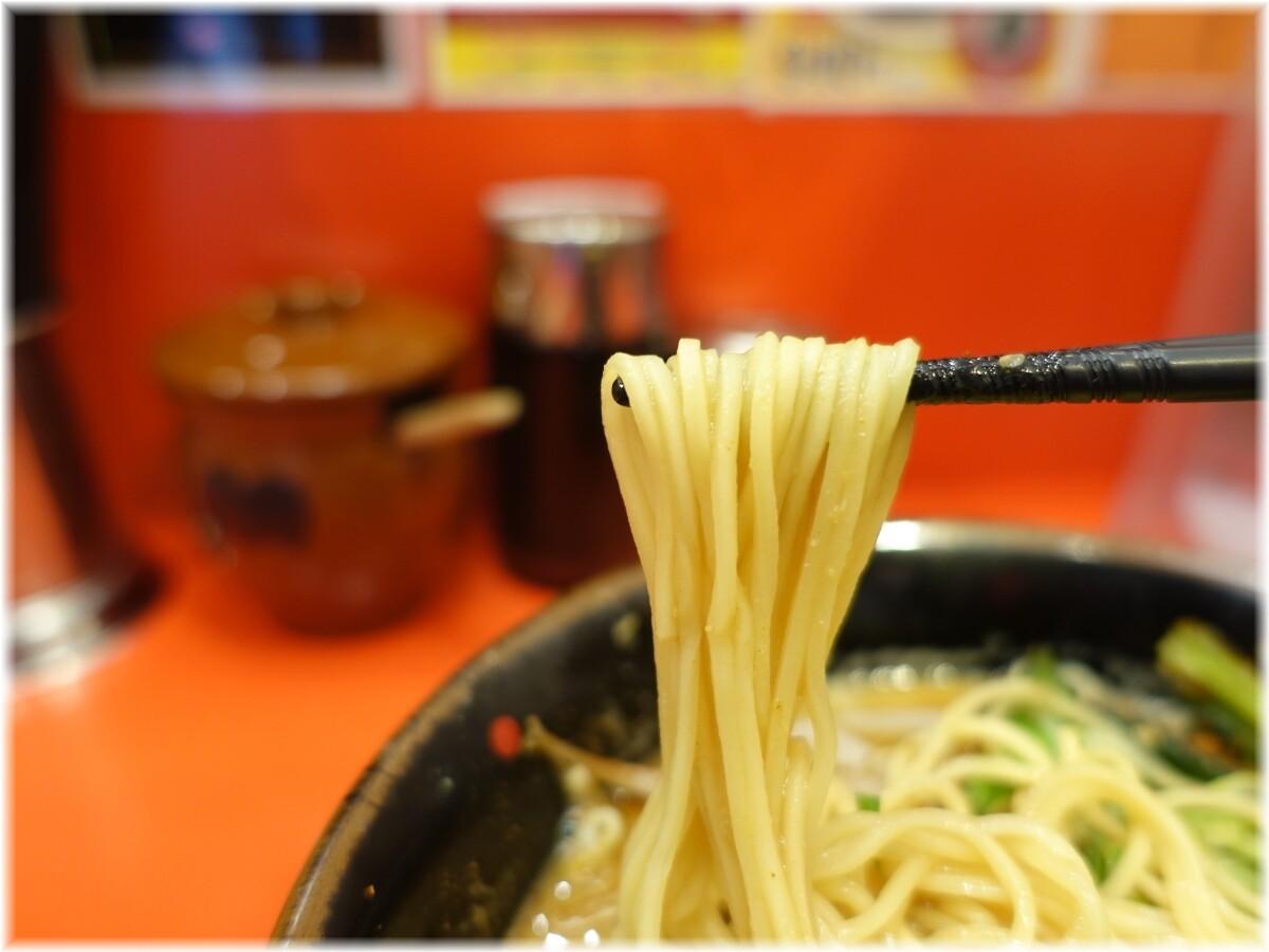 天下一品田町店10 味噌ラーメンにニラニンニクと赤ん粉1辛の麺