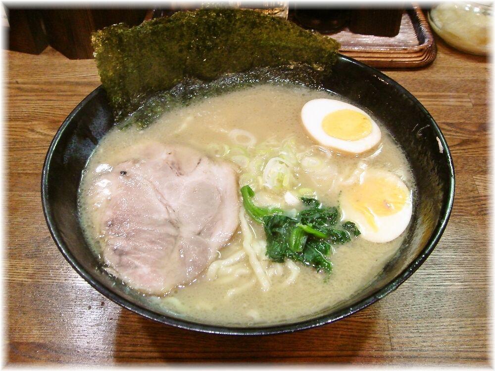 とんこつ麺砂田 らーめん+玉子