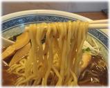 ボニート・ボニート 正油+粗びきスープの麺