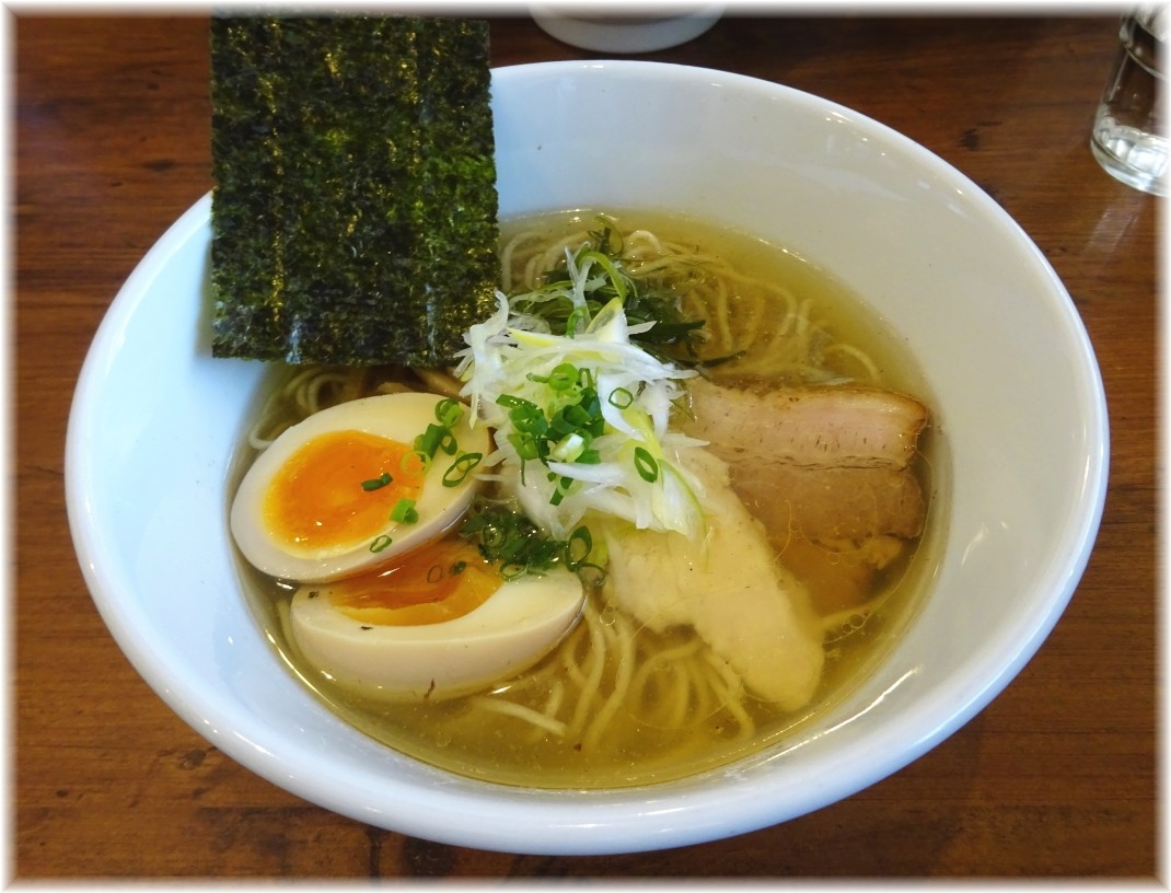 38NOODLE KITCHEN 鶏だしらーめん(塩)味玉入り