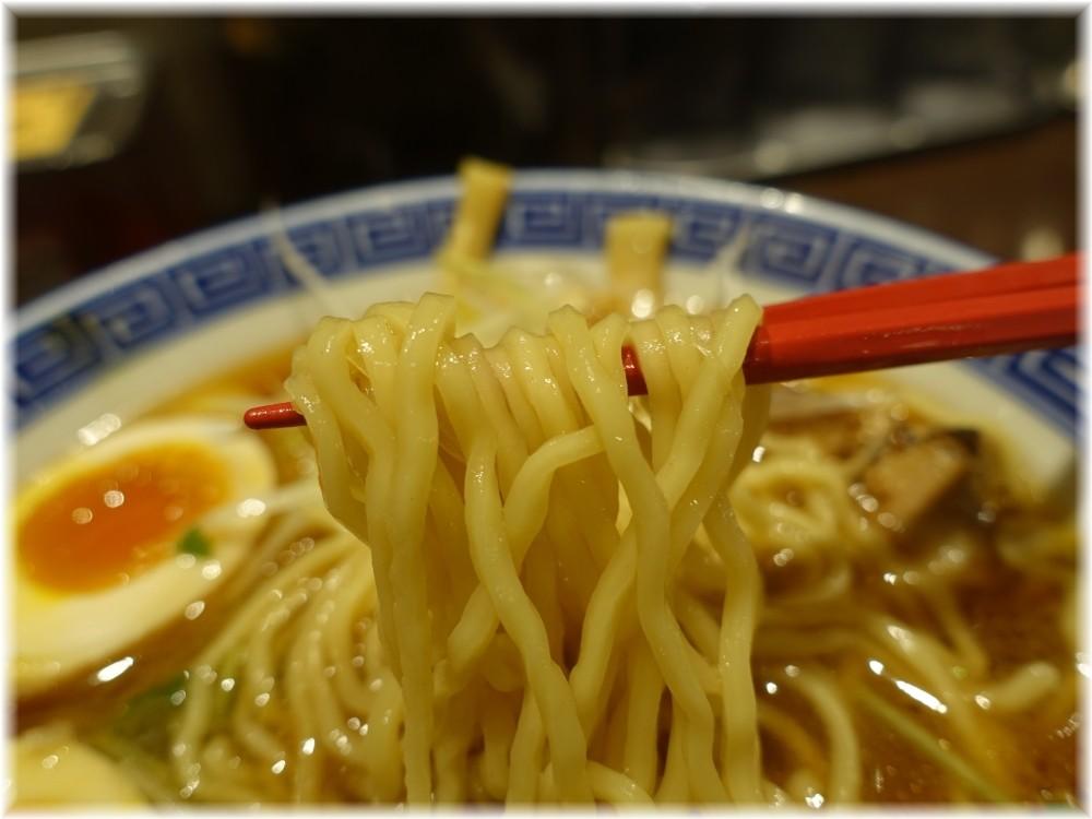 東京じゃんがらecute上野店 特製醤油じゃんがらの麺