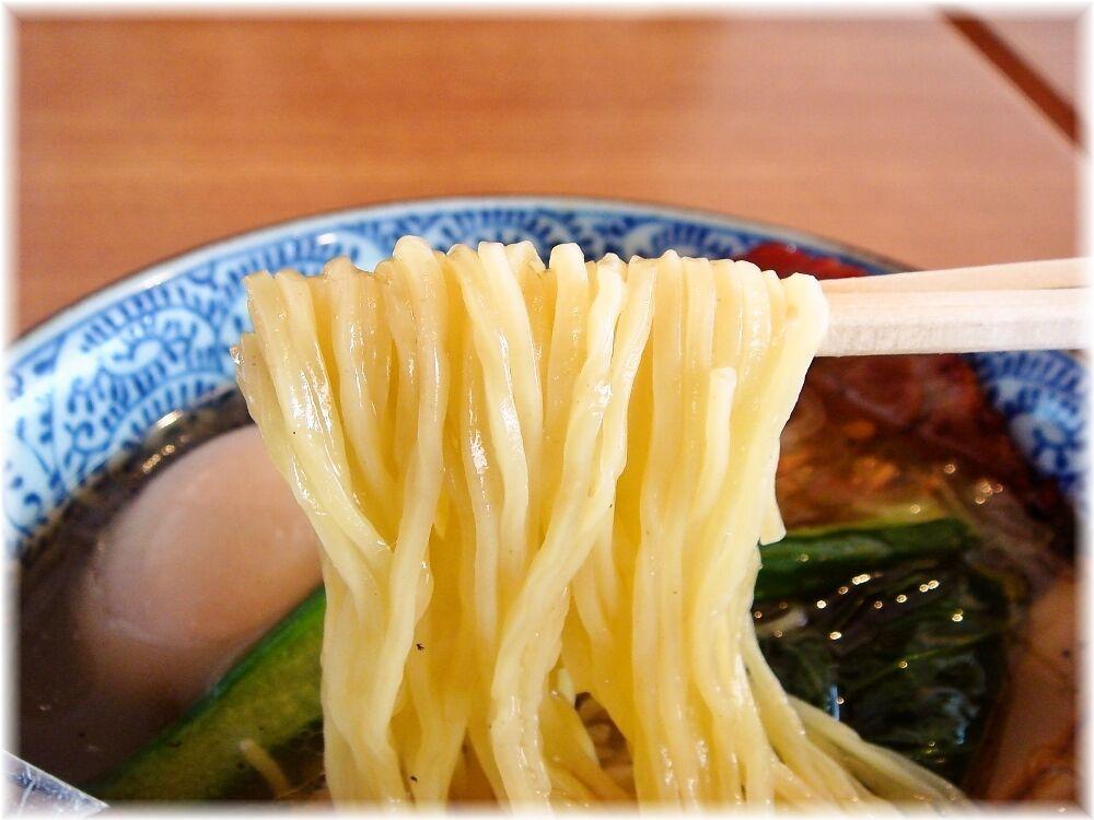 麺屋空海 空海味玉そば(塩)の麺