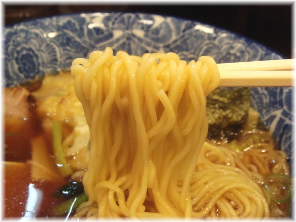 ら麺亭 ワンタン麺の麺