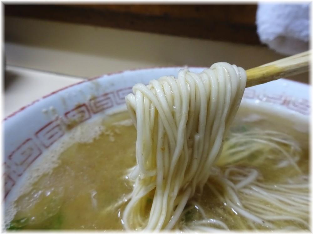 八ちゃんラーメン3 ラーメンの麺