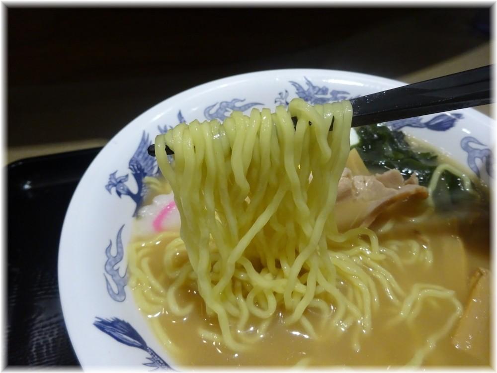 名代富士そば 煮干しラーメンの麺