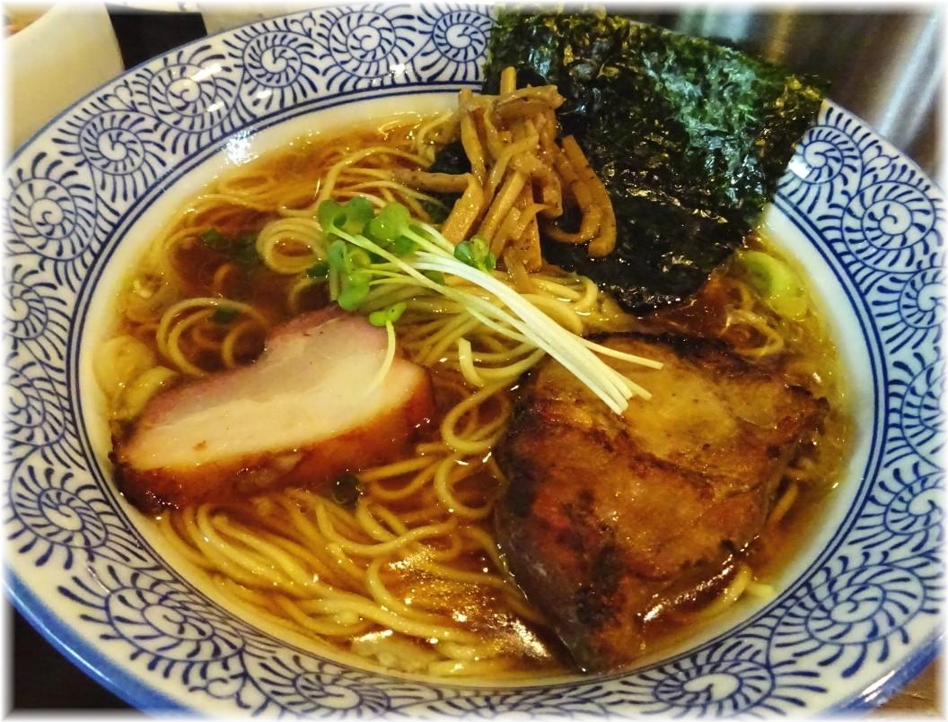 麺処ほん田niji 豊潤鶏だし醤油ラーメンの具乗せ