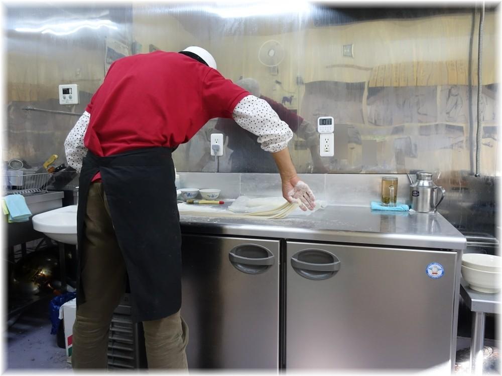 ザムザムの泉 麺打ち