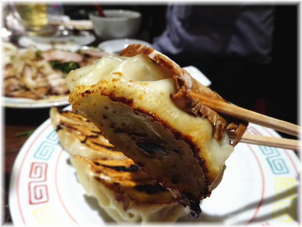 新福菜館 お二階隠れ 焼餃子2
