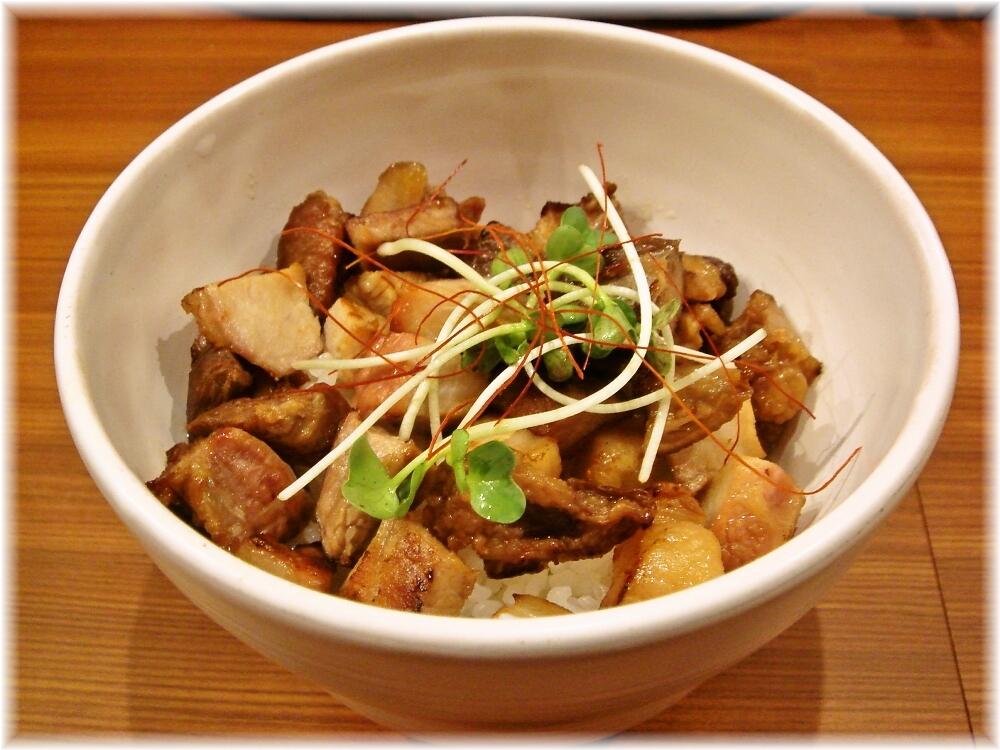 ビーハイブゲンキノモト 黒豚丼?