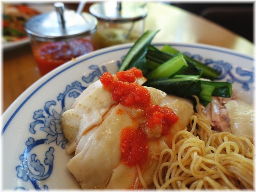 威南記海南鶏飯 日本本店 スチームチキンヌードルの具