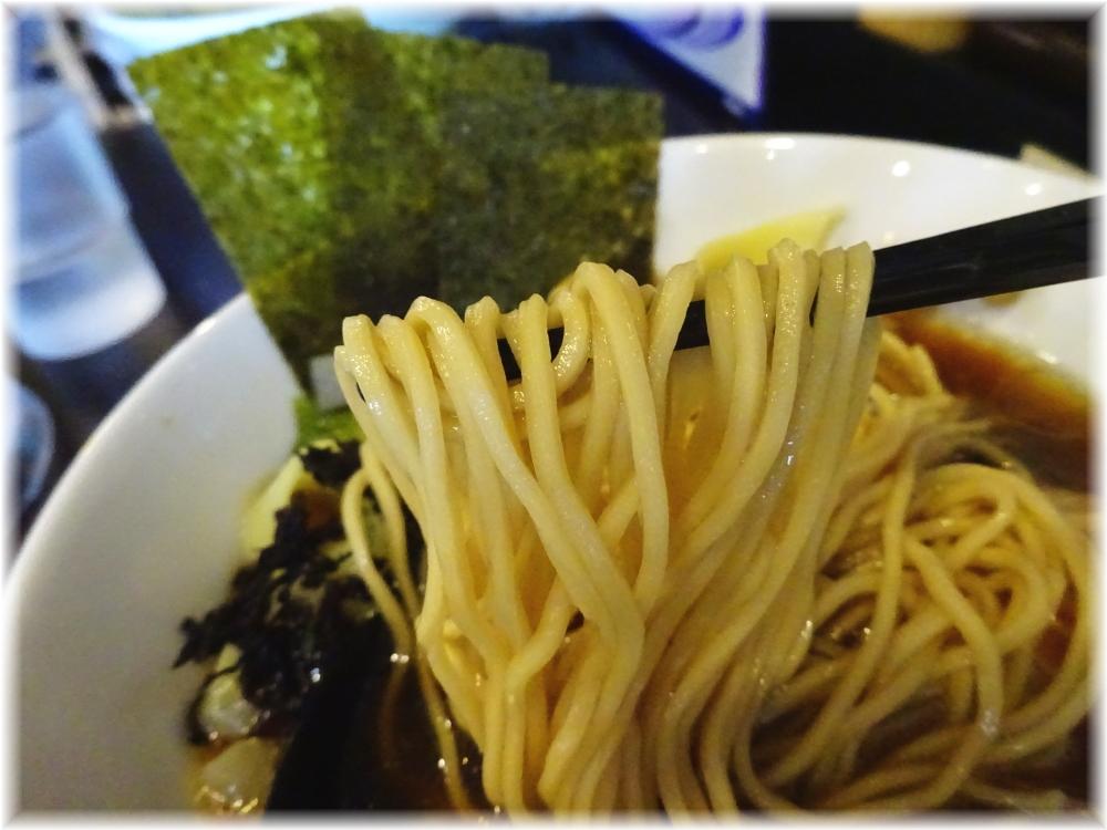 自家製麺KANARI 特製中華そば(醤油)の麺