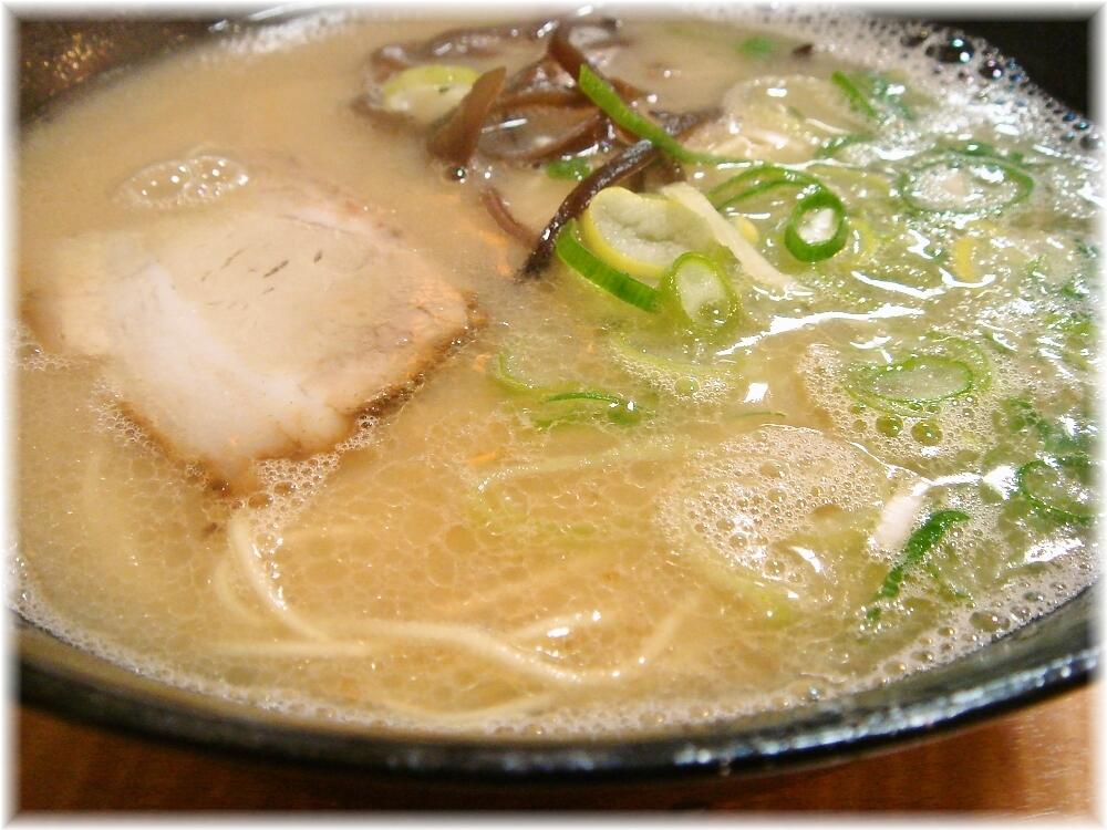 福芳亭 ラーメンのスープ
