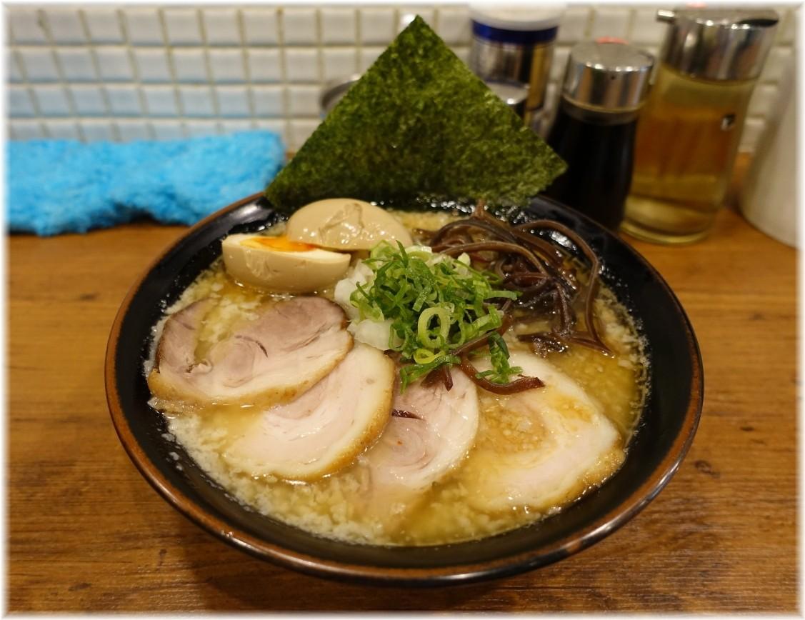 麺処丸め新所沢店 特製背脂煮干ラーメン